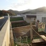 <p>仮設構台施工前(橋脚側)<br /> 平成30年11月30日</p>